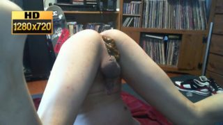Young Guy Shitting Myself HD